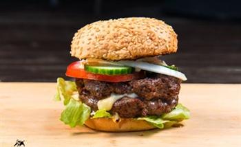 המבורגר ברבקיו אמריקאי